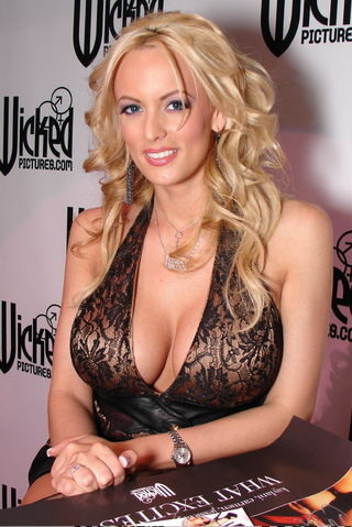 Stormy-Daniels-wicked-signing