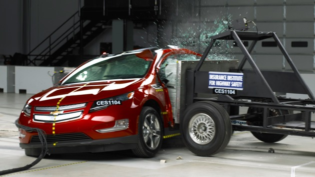 Chevy-volt-crash-test-630