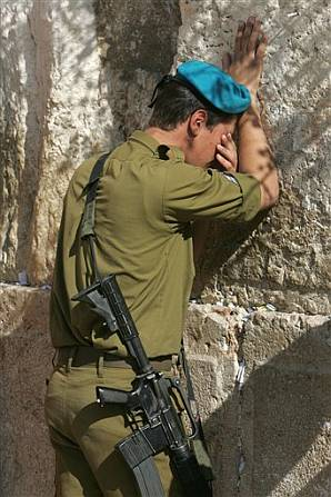 Israelsoldiercrying