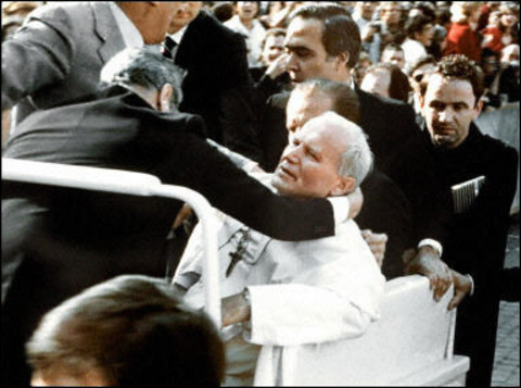 attentat pape jean paul II